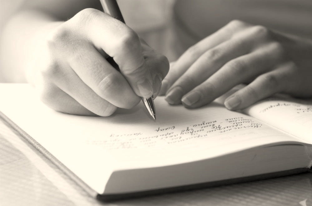 01-woman-writing-bnw